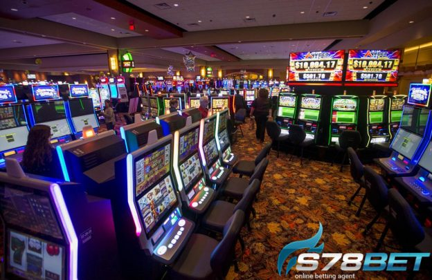 Slot Online vs Roulette